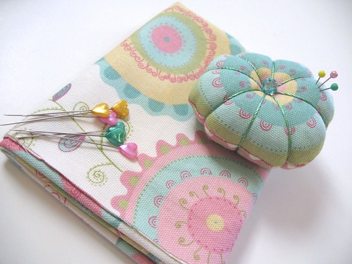:: Dreamy Pincushion ::