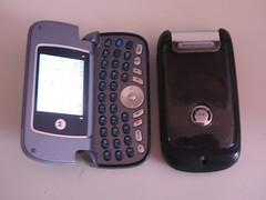 telephone(0.0), feature phone(1.0), telephony(1.0), multimedia(1.0), mobile phone(1.0), gadget(1.0),