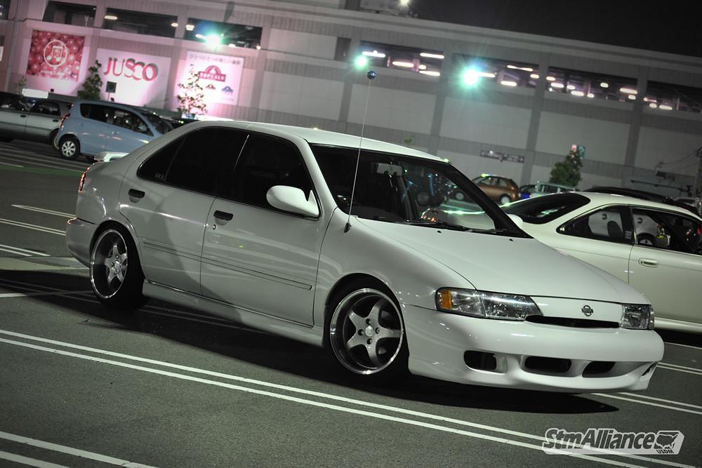 1999 Nissan Sanny Sentra Look