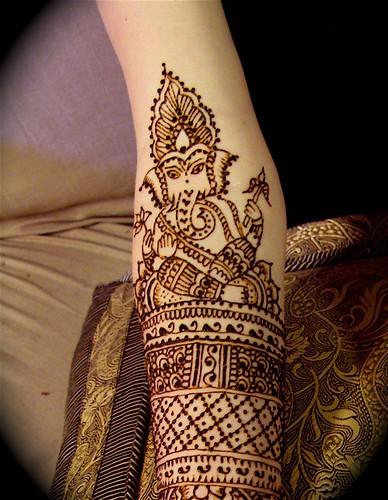 Mehndi For God : Ganesha tattoo