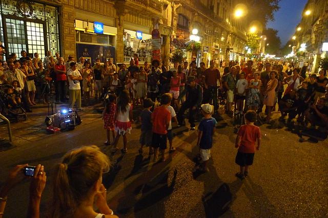 mini breakdance, festival d'été (AVIGNON,FR84)