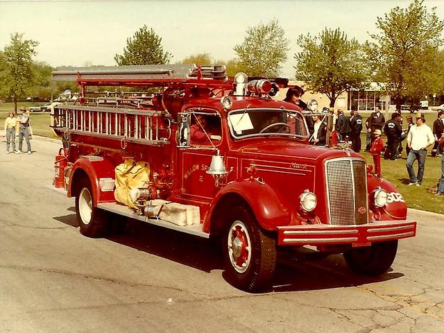 Old Mack Fire Trucks : F c z g