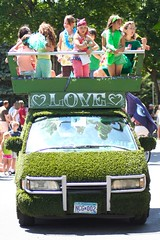 Grass/Love @ Minneapolis Art Car Parade