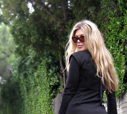 long blonde wavy hair+cat eye sunglasses+hair tutorials by ...love Maegan