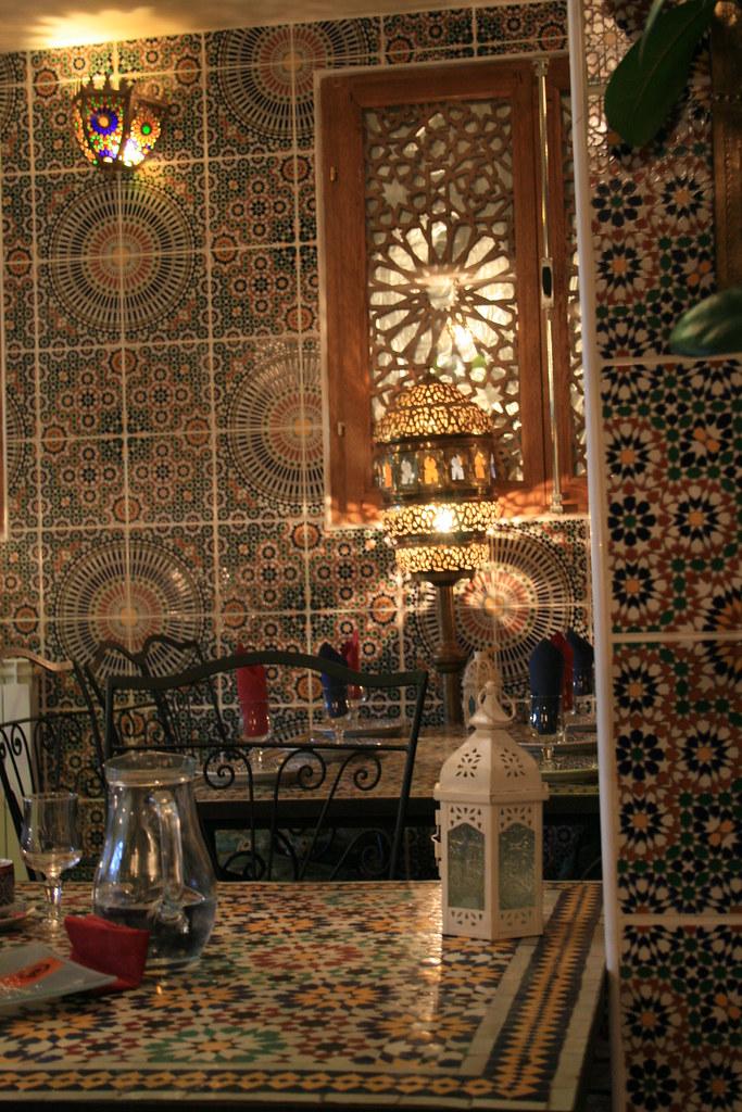 restaurant marocain (ORANGE,FR84)