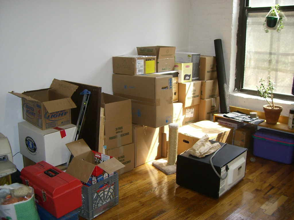 Picture-of-cardboard-packing-boxes