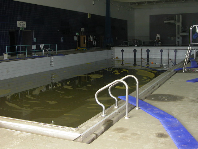 Flood Damaged Swimming Pool : Stagnant swimming pool after the flood damage flickr