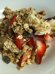 breakfast cereal(1.0), meal(1.0), breakfast(1.0), produce(1.0), food(1.0), dish(1.0), muesli(1.0), cereal(1.0), cuisine(1.0), snack food(1.0),