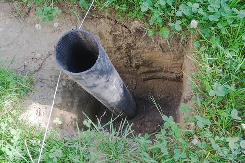 Rohre für Fundamente der Holzterrasse