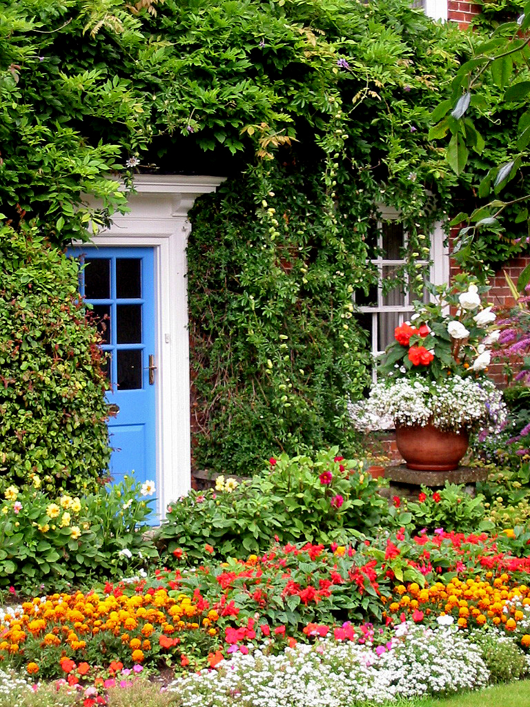 Cottage Gardens: Norfolk Cottage Garden