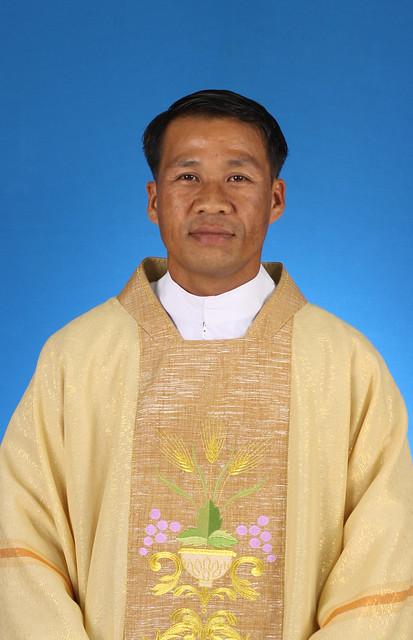 บาดหลวง อีจีนุส บุญเลิศ สร้างกุศลในพสุธา – Rev. Boonlert Sangkusolnaiphasutha