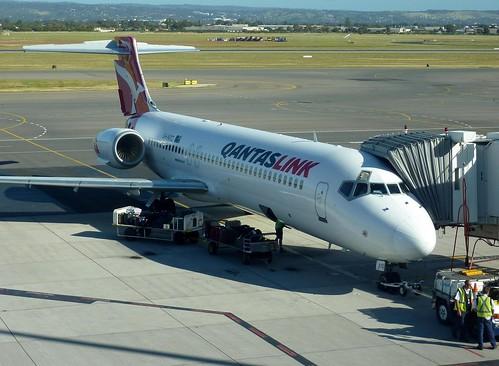 Qantaslink 717 at the gate