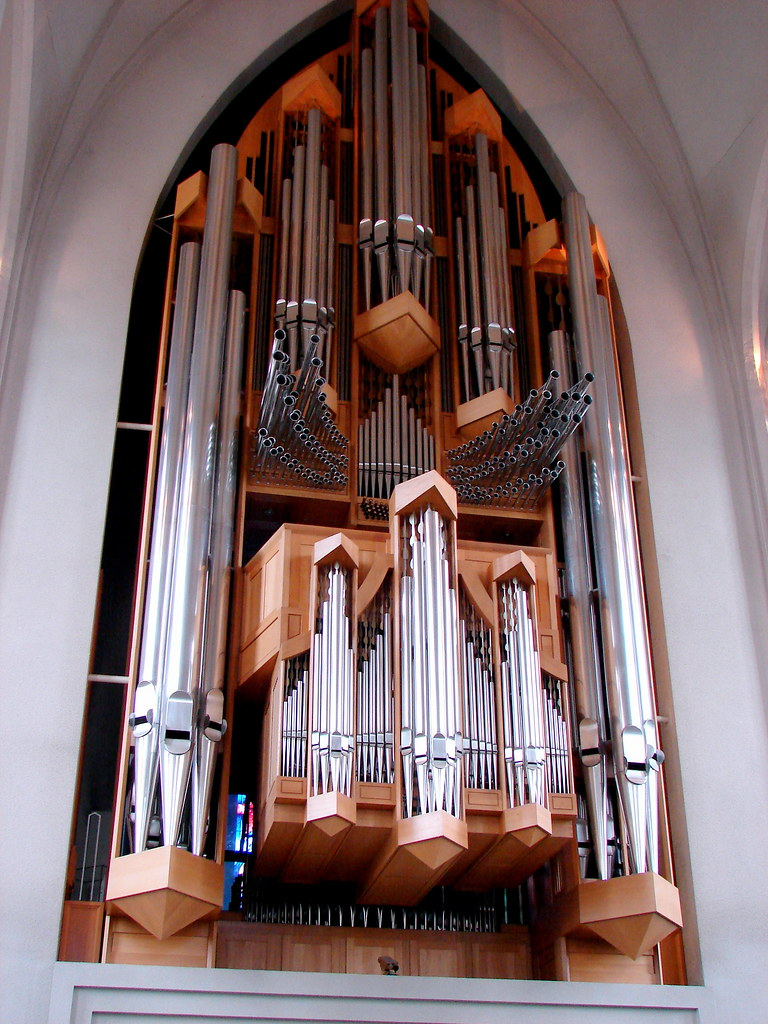 Hallgrims Church organ pipes