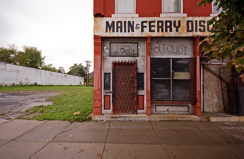 Main & Ferry Discount Liquor