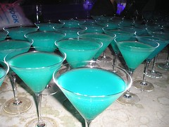 glass(1.0), blue hawaii(1.0), drink(1.0), cocktail(1.0), martini(1.0), alcoholic beverage(1.0),