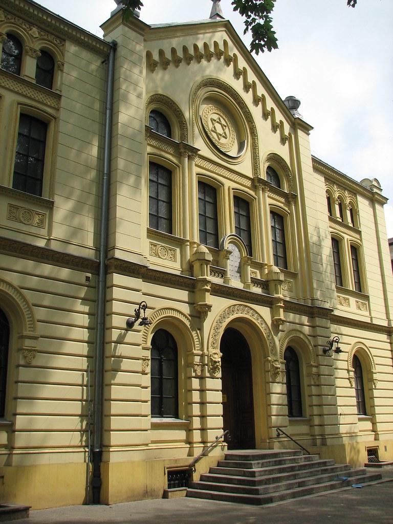 > Synagogue Nozyk à Varsovie : Le dernier lieu de culte juif de l'une des plus grandes villes juives du monde. Photo de Yaffa Phillips