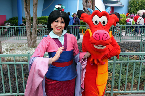 Meeting Mulan and Mushu