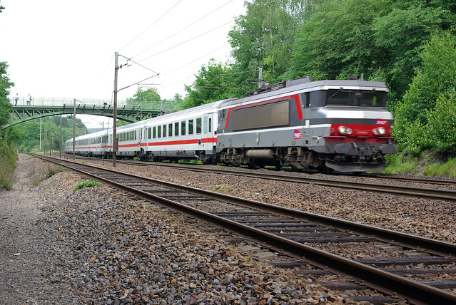 how to get from paris to munich by train