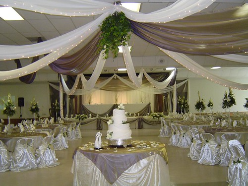 Wedding decoration colours wedding decorations ideas 2012 for Wedding decorations home