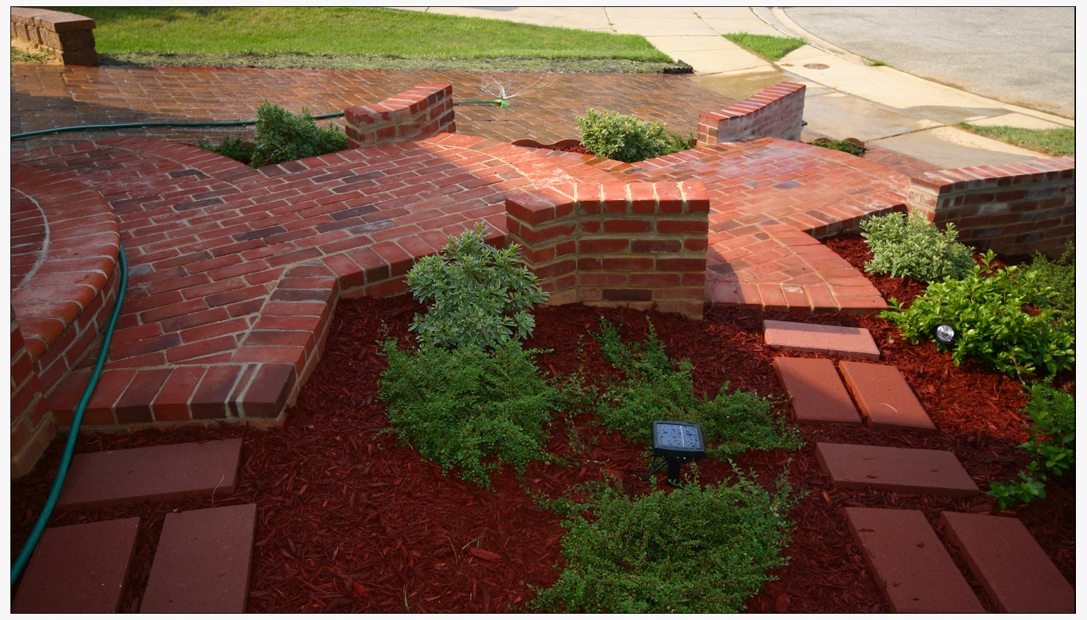 Landscaping With Mulch Pictures : Landscape mulch and shrubs