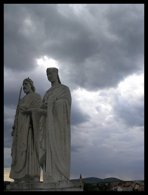 Statues and the storm