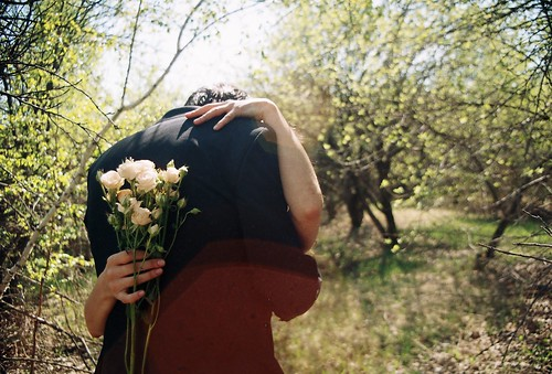 LE LOVE BLOG PHOTO HUG FLOWERS WEDDING NATURE ROMANTIC SUNLIGHT take a chance by Everything's magic), on Flickr