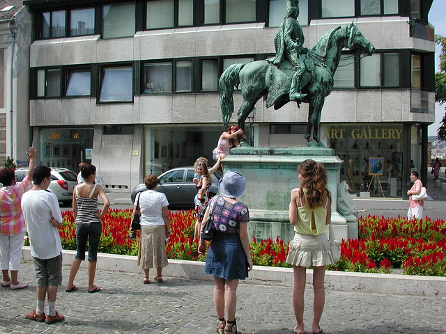 estatua de András Hadik a caballo, Hungría