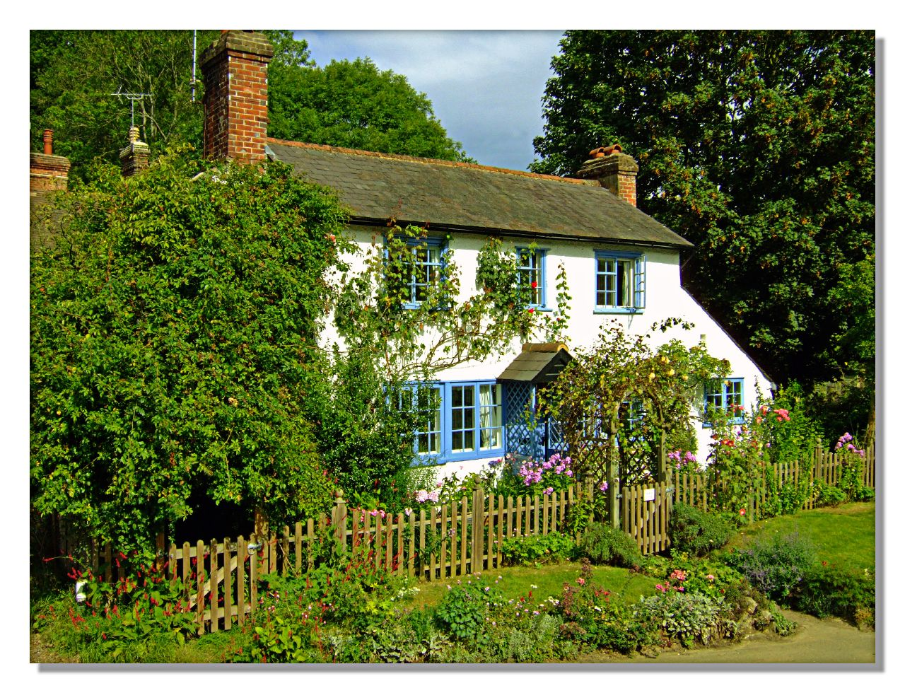 English country cottage peaslake surrey a photo on for Pictures of english country cottages