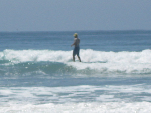 Tim surfing