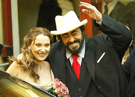Opera in mourning la pera est de luto luciano pavarotti for Nicoletta mantovani pavarotti