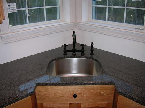 Nero Impala with Corner Sink