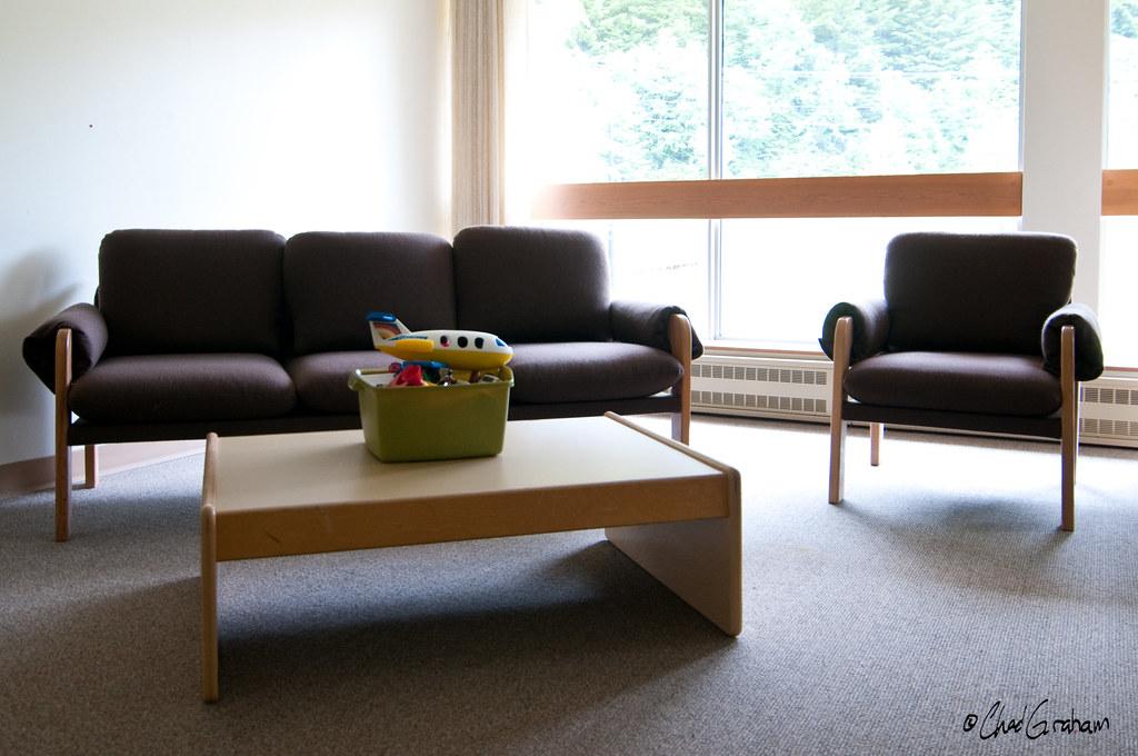 Мебель и детские игрушки