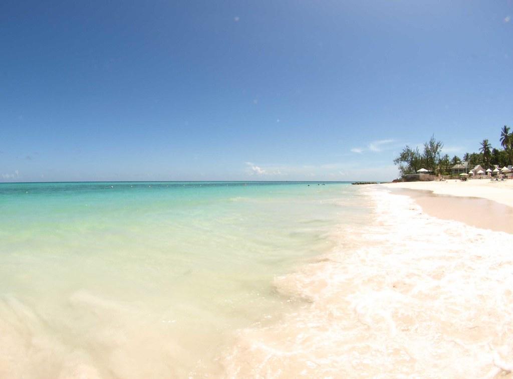 Maxwell пляж