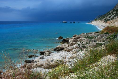 sea beach clouds rocks may hellas pebbles greece 2007 ioniansea lefkas lefkada ionianislands ελλάδα nikond80 λευκάδα nikkorafsdx18135f3556g