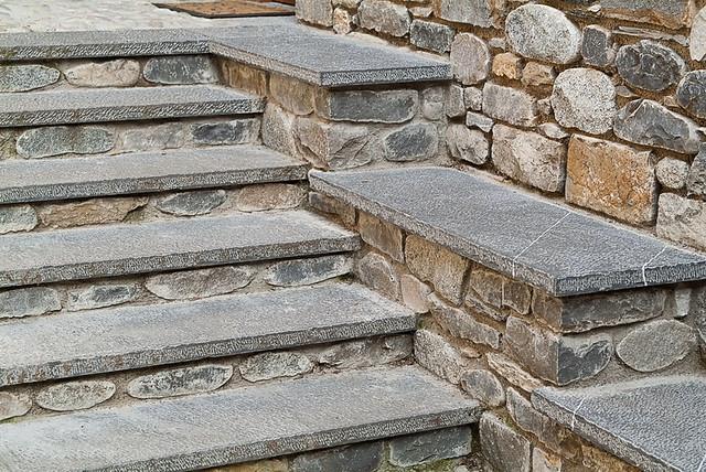 Escaleras de piedra natural polardur polardur natural - Escaleras de piedra ...