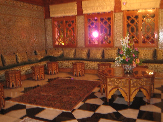 Traditional moroccan living room explore michmb1986 39 s for Moroccan living room ideas