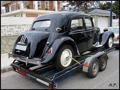 automobile, automotive exterior, vehicle, citroã«n traction avant, antique car, sedan, classic car, vintage car, land vehicle, luxury vehicle, motor vehicle,