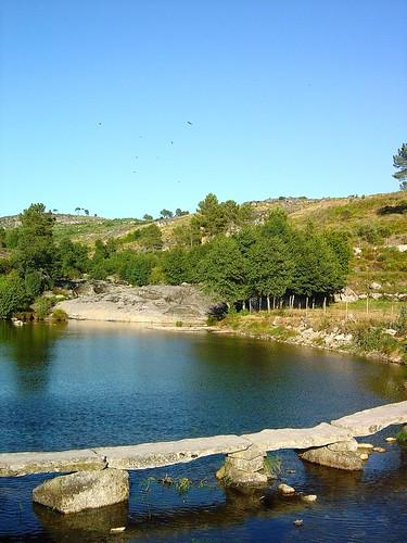 Praia Fluvial de Vila Cova à Coelheira - Portugal