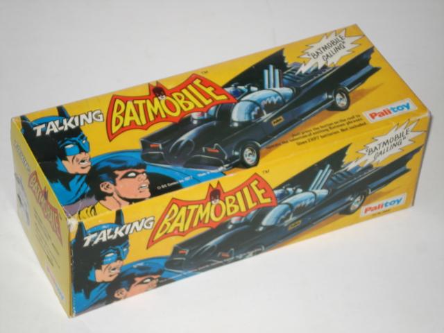 batman_talkingbatmobile.JPG