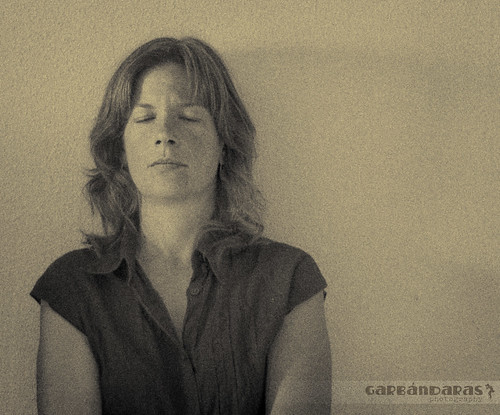 ...es mi sueño y mi deseo, no los quiero abrir... by Garbándaras