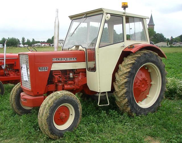 tracteur mccormick 523 flickr photo sharing