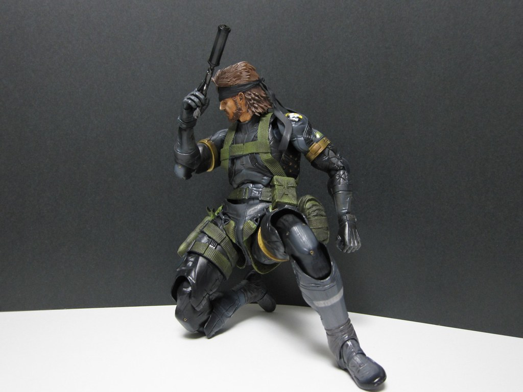 METAL GEAR SOLID PEACE WALKER PLAYARTS KAI SNAKE Sneaking Suit Ver.