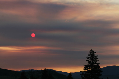 sunset colorado smoke eerie forestfire steamboat obscure