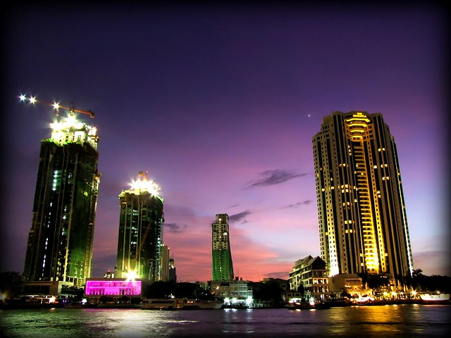The River Condominium & Peninsula Hotel at Dusk | Bangkok