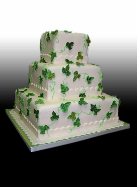 Cake Decorating Ivy Leaves : Ivy Leaves Wedding Cake Flickr - Photo Sharing!