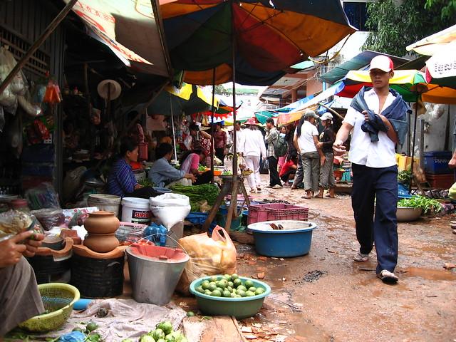 Sihanoukville market - photo from Flckr CC by spotter_nl