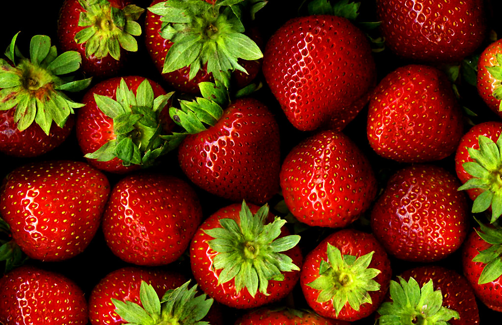 strawberries raw