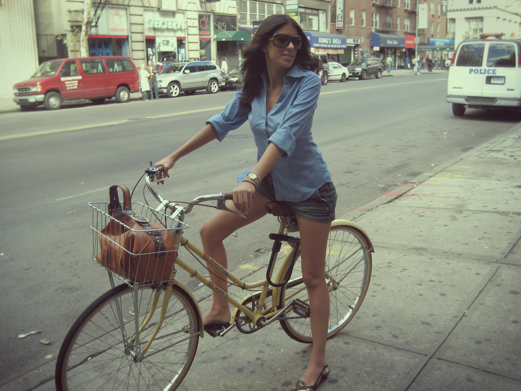 Фото девушек летом на улицы 10 фотография