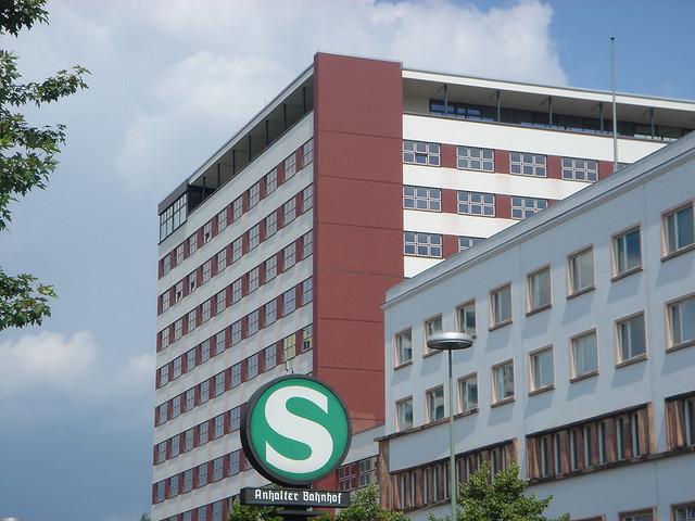 Bauhaus architektur in berlin a gallery on flickr - Bauhaus architektur merkmale ...