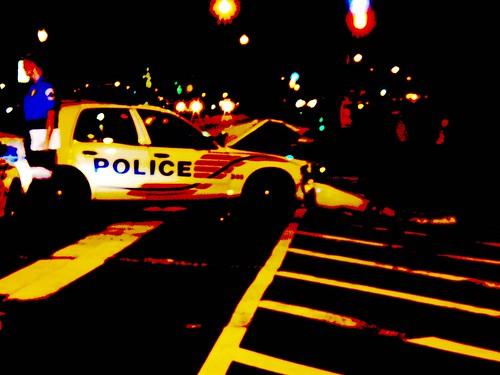 Policía by Daquella manera